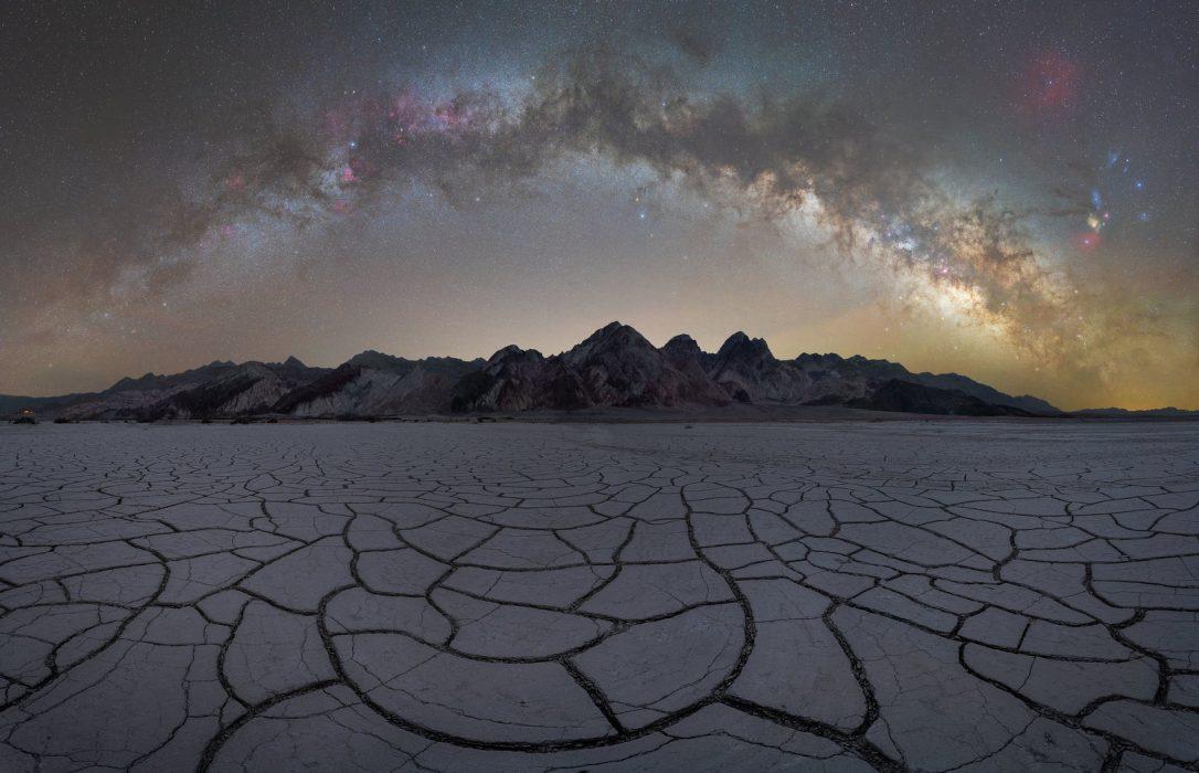 Death-Valley-Milky-Way-Mud-Cracks.jpg